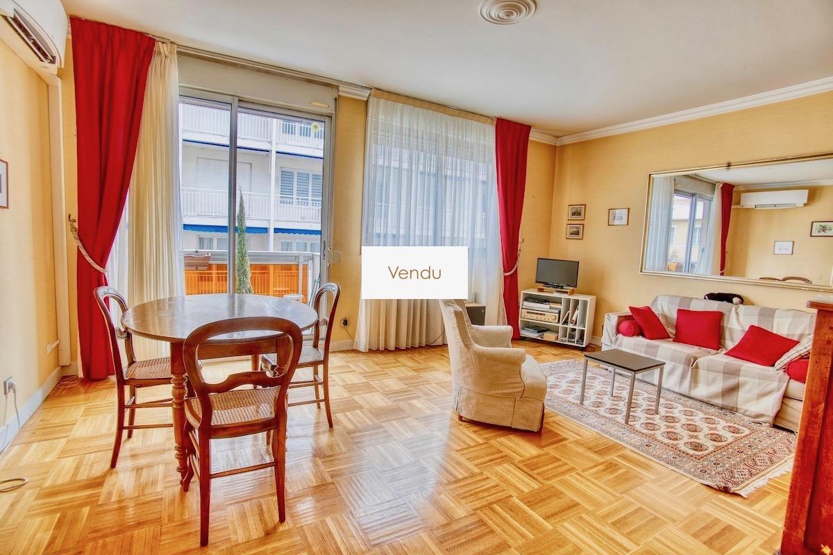Lyon 6 Duguesclin ! Appartement 3 pièces avec balcon et garage